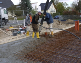 Gießen der Bodenplatte - Anfang
