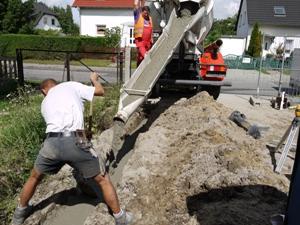 Betonlieferung für Mauerfundament