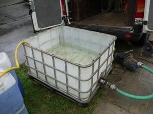 Wasserauffangbehälter für Spülung der Rohre