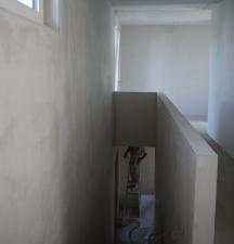 Treppenaufgang mit Malervlies