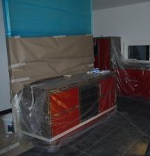 Küche inkl. Glaswand eingepackt