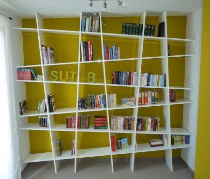 Unser Bücherregal